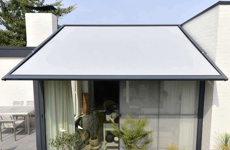 Installation store de véranda Valence