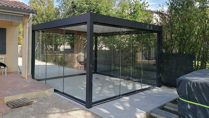 Installation pergola bioclimatique avec fermetures Valence