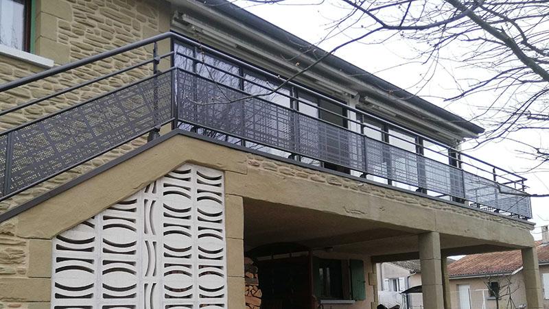 installation garde-corps en aluminium